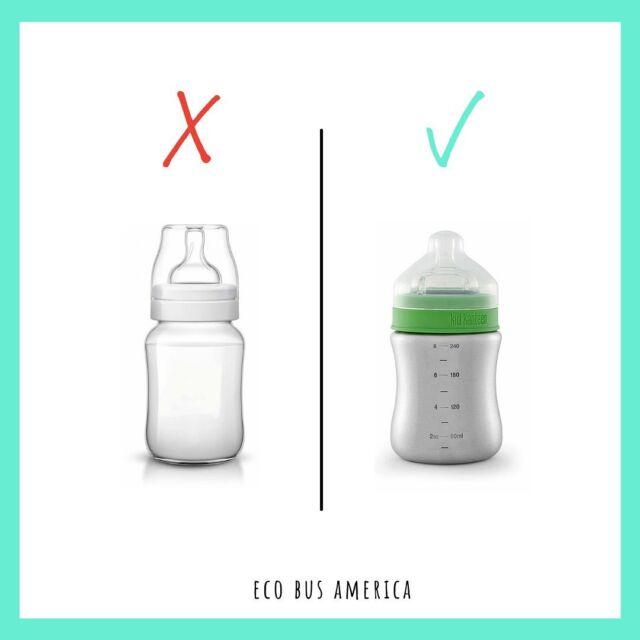 🇳🇱Baby's die met een plastic fles worden gevoed, kunnen volgens onderzoek dagelijks meer dan 1 miljoen deeltjes microplastic binnenkrijgen. Ze kunnen hormoonontregelaars afgeven die mogelijk hormonen in ons lichaam kunnen verstoren. Twee goede alternatieven zijn flesjes van rvs of van glas. Ook het tuitje kan plastic vrij, door voor een 100% natuurlijk rubber tuitje te kiezen. 🇬🇧 Babies fed with a plastic bottle can ingest more than 1 million particles of microplastic daily, according to research.  They can release endocrine disruptors that can potentially disrupt hormones in our bodies. Two good alternatives are stainless steel or glass bottles. The spout can also be plastic-free, by choosing a 100% natural rubber spout. 🇪🇸Los bebés alimentados con un biberón de plástico pueden ingerir más de 1 millón de partículas de microplástico al día, según una investigación. Pueden liberar disruptores endocrinos que potencialmente pueden alterar las hormonas en nuestro cuerpo. Dos buenas alternativas son las botellas de vidrio o de acero inoxidable. La boquilla también puede estar libre de plástico, eligiendo una boquilla de caucho 100% natural. 🇧🇷Bebês alimentados com uma mamadeira do plástico podem ingerir mais de 1 milhão de partículas de microplástico diariamente, segundo estudos. Eles podem liberar desreguladores endócrinos que podem interromper os hormônios em nosso corpo. Duas boas alternativas são as garrafas de aço inoxidável ou de vidro.  A bica também pode ser sem plástico, optando-se por uma bica 100% borracha natural.