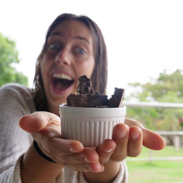 🇬🇧🇪🇸🇧🇷👇🏽 🇳🇱Mensen! Ik heb mijn eigen chocolade gemaakt! Altijd gedacht dat dat moeilijk was maar wat blijkt het is een eitje van een cent! 🇧🇷Pessoas! Eu fiz meu próprio chocolate!  Sempre achei que era difícil, mas no final é moleza! 🇪🇸¡Gente! ¡Hice mi propio chocolate!  Siempre pensé que era difícil, ¡pero resulta que es facilísimo! 🇬🇧Guys! I made my own chocolate! I Always thought that this was difficult, but it turns out it's a piece of cake!